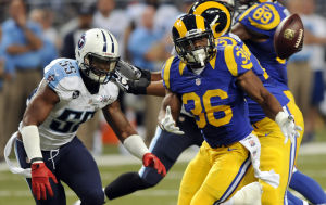 Rams, Titans tied at 14 in fourth quarter