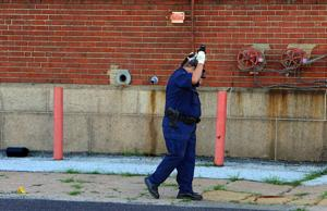 Corrections officer shot in leg during St. Louis robbery