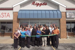 Rizzo's Pasta cuts the ribbon