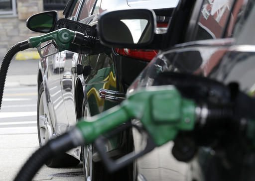 U.S. average fuel economy at record high of 24.8 mpg