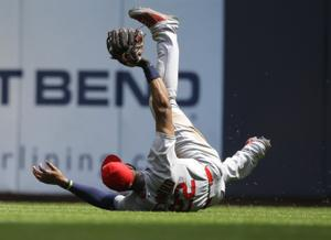Cardinals turn four singles into three runs, lead 3-2
