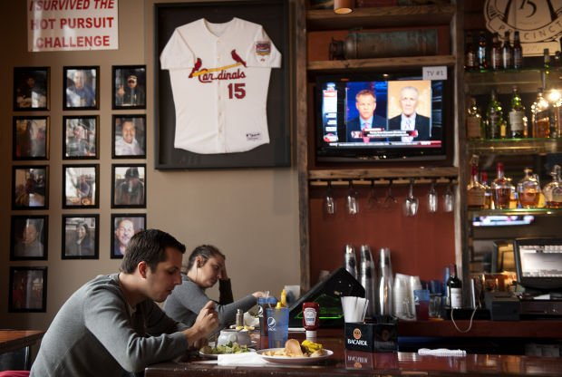 Jim Edmonds takes another swing at the restaurant biz at the Precinct