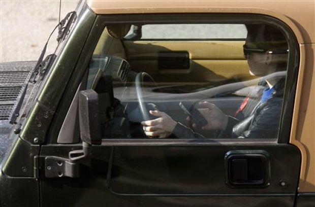 O'Fallon, Mo., keeps broadly-worded distracted driving ban