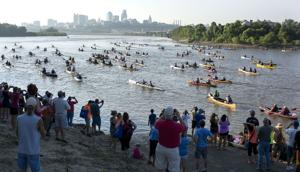 Despite heat, hundreds set out to paddle the Missouri River across the state