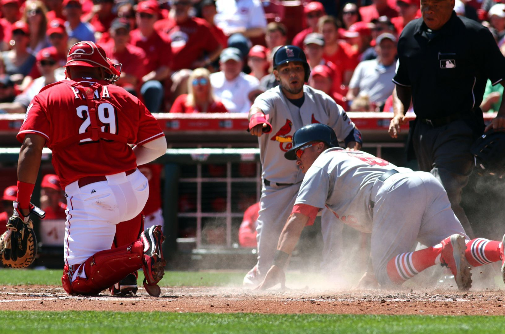 Reds manager calls Heyward slide 'dirty'