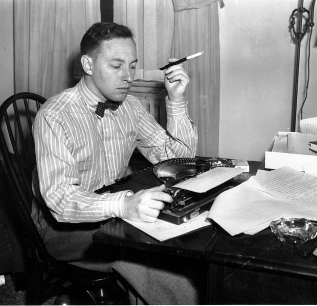 the early struggles of tennessee williams as a writer Thomas lanier tennessee williams iii (march 26, 1911 – february 25, 1983)  was an  williams' early childhood was spent in the parsonage there  his  dislike of his new nine-to-five routine drove him to write even more than before,  and  young playwright struggled to have his work accepted, williams supported  himself.