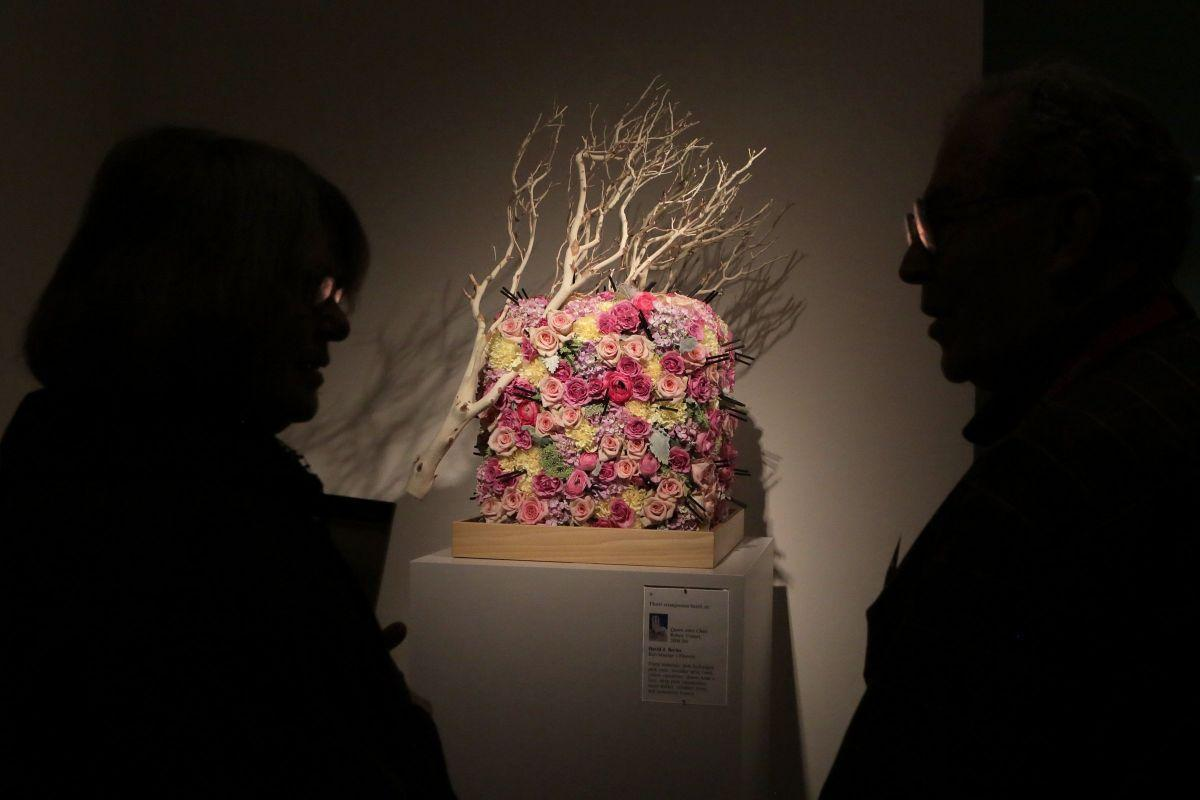 The outdoors come inside for 39 art in bloom 39 at st louis for Christine kolar