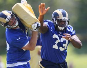 OT Robinson must improve in third season with Rams