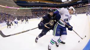 Steen's injury gives Blues chance to look at Jokinen