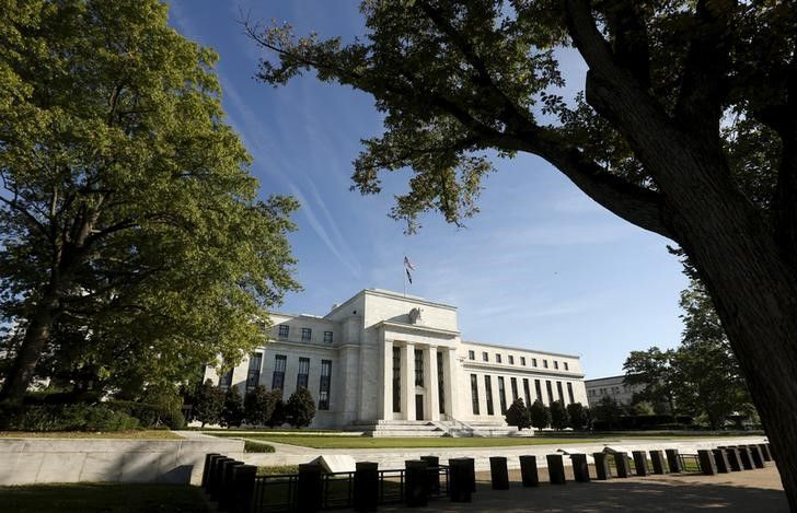 Federal Reserve members say there's no hurry to raise interest rates