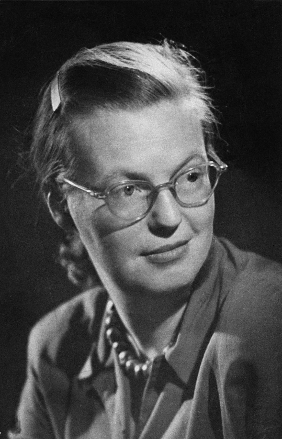 "shirley jackson s short story lottery In shirley jackson's short story, ""the lottery"", the main theme is how traditions lose their meaning due to human forgetfulness this can cause horrible consequences to occur."