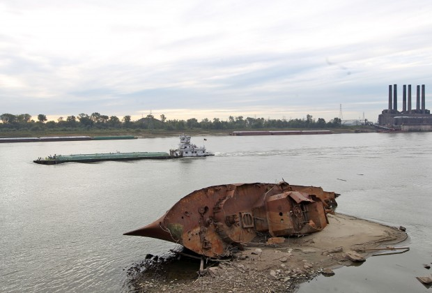 Low water reveals remains of wwii ship gallery for 526 salon st paul