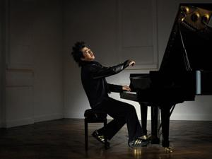 Music review: Pianist Lang Lang wows 'em at the Red Velvet Ball