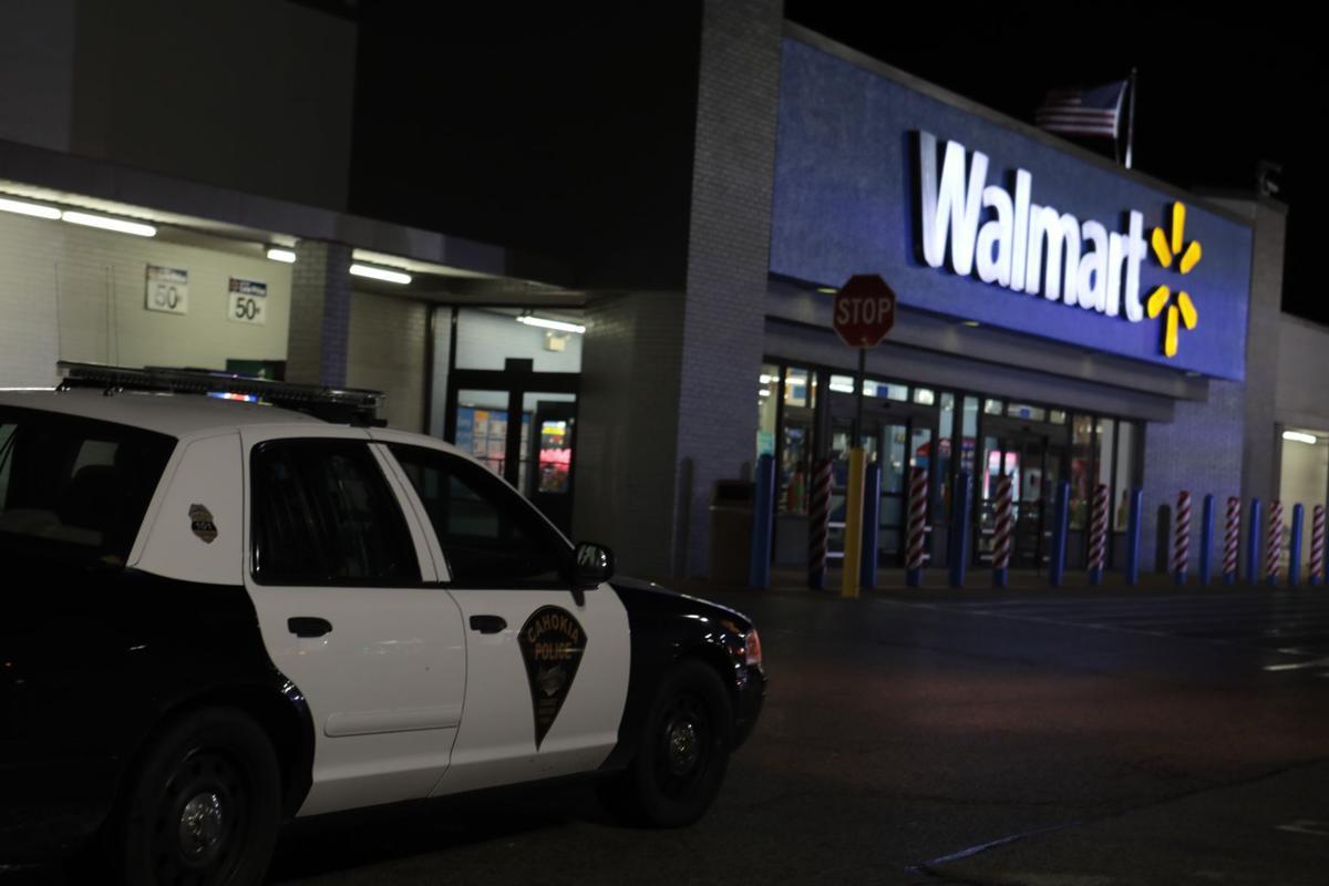 Man dies fleeing police at Cahokia Walmart