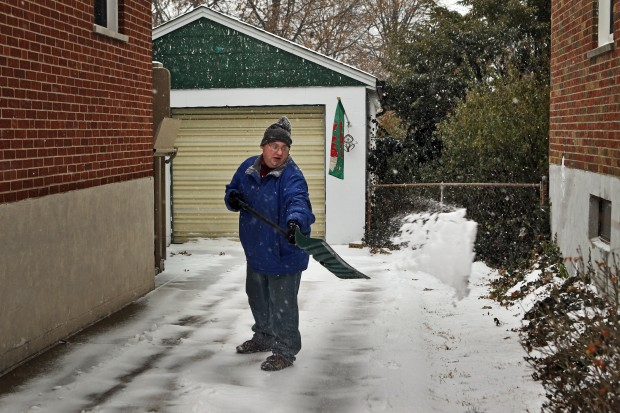 St. Louis faces winter storm