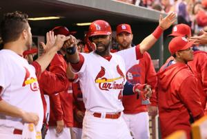 Adams bunt leads to another run for Cardinals