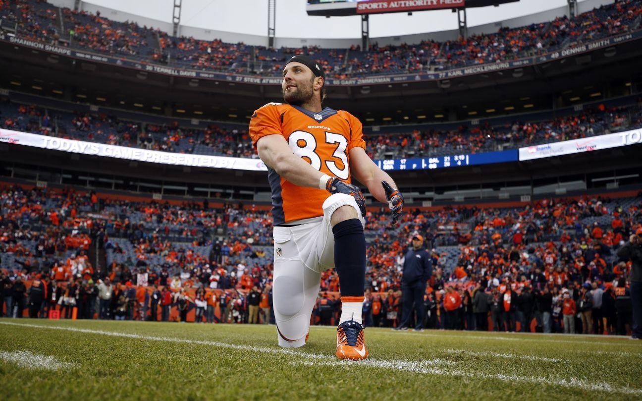 NFL suspends Rams' Bailey; club signs veteran Welker