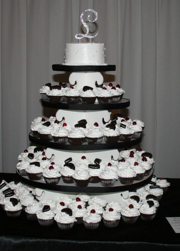 Cold Stone Ice Cream Wedding Cake