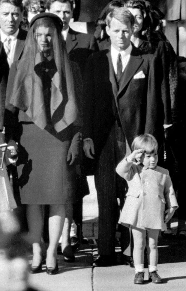 John f Kennedy jr Funeral John f Kennedy jr Salutes