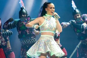 iParty catches Katy Perry at Scottrade