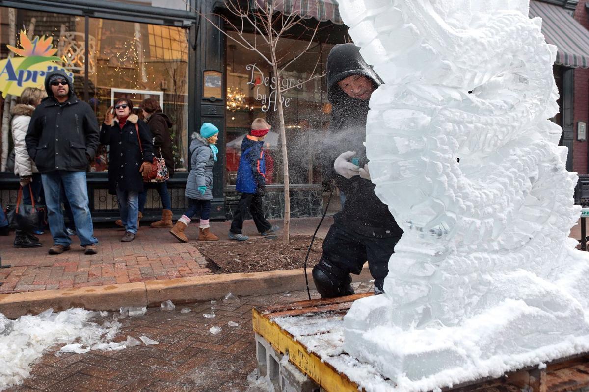 photos fete de glace ice carving competition st. Black Bedroom Furniture Sets. Home Design Ideas