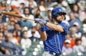 Cards maintain interest in Zobrist, report says