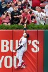 Cardinals lose final home game to Brewers 8-4