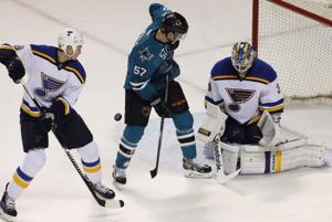 Blues collapse late vs. Sharks