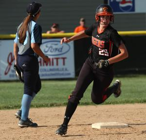 Edwardsville continues roll by ousting Belleville East
