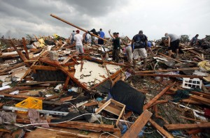 Video: Reporter cries over tornado destruction