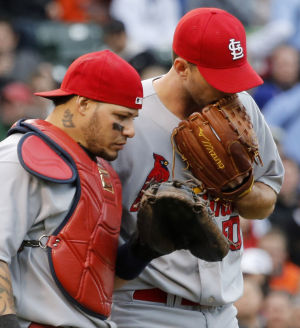 Molina, Wainwright finalists for Gold Glove awards