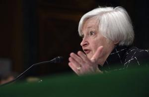 Yellen says Fed evaluating possibility of negative rates
