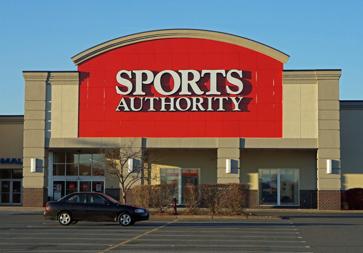 sports authority liquidating closing stores business com sports authority