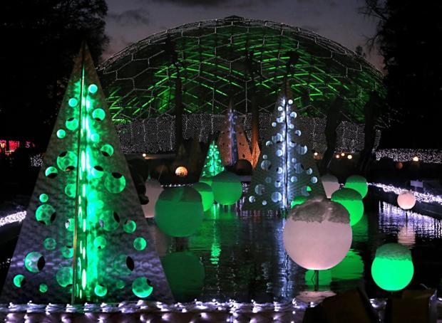 Get a 360-degree look at Garden Glow at the Botanical Garden