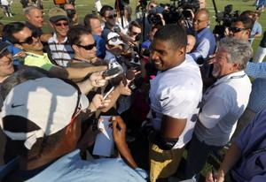CFL's Montreal Alouettes sign Michael Sam