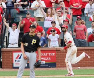 Extra, extra: Cards drop Pirates again