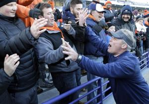 Illinois fires football coach Tim Beckman one week before opener