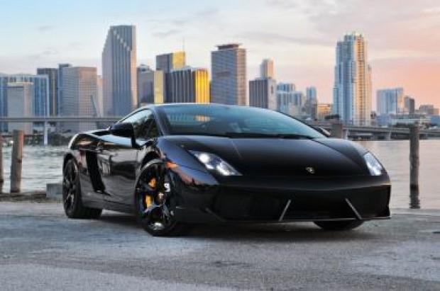 hertz offering new luxury car rentals in st louis business. Black Bedroom Furniture Sets. Home Design Ideas