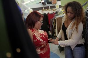 St. Louis shoppers avoid the 'madness' by supporting small, independent  businesses
