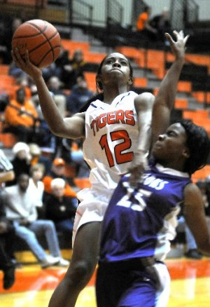 Host Edwardsville cruises to 59-10 victory over Collinsville