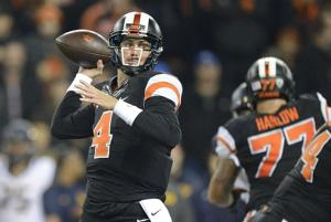 Mannion gets more than a T-shirt from Rams