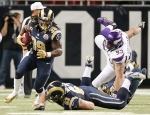 Peterson crushes Rams' playoff hopes
