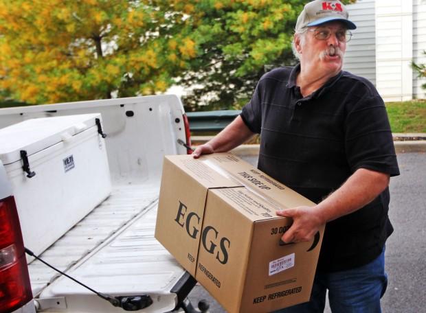 Missouri Egg Man Doesn T Crack When Peddling Farm Fresh