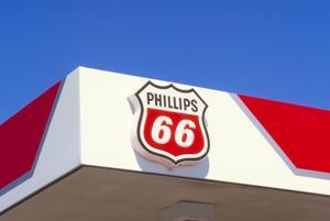 Buffett's Berkshire takes $4.48 billion stake in Phillips 66