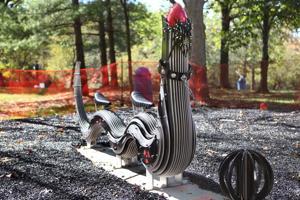 Artist Tom Huck's 'Bugs' invade Laumeier Sculpture Park