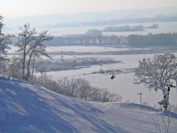 go to galena  ill   to ski chestnut mountain   travel