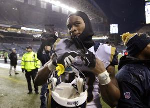 An emotional Gurley wins offensive rookie honor