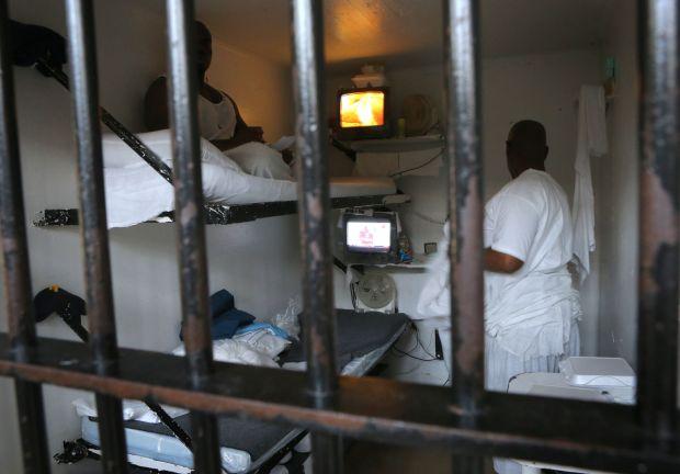 Life Behind Bars At Menard Correctional Center Gallery