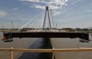 New Mississippi bridge is set to make ends meet