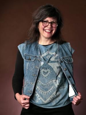 Made in St. Louis: Batik artist inspired by life's twists